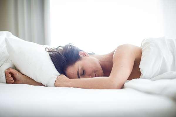 Melatonina – sposób na lepszy sen